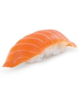 №38 / Нигири суши с лососем