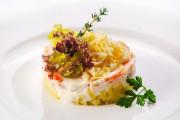 Салат мимоза с отварным лососем 150гр-150р