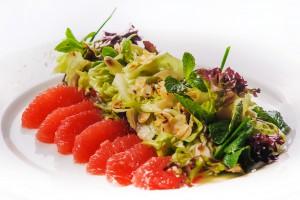 7501/Салат из грейпфрута с мятой и миндалем